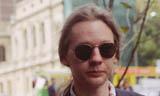 Assange-mini